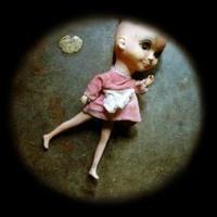 Los Humillados & Coro Infantil de los No-Muertos / Muñecas